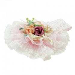 Hårband baby rosarrangemang med spetsband